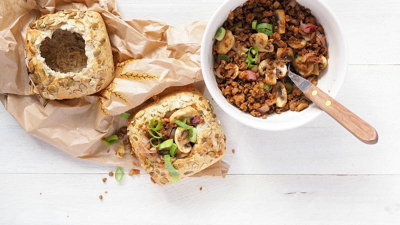 Guilty pleasure: Vega gehaktbroodjes uit de airfryer