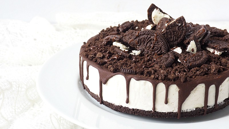 Guilty Pleasure: Vegan Oreo Cheesecake