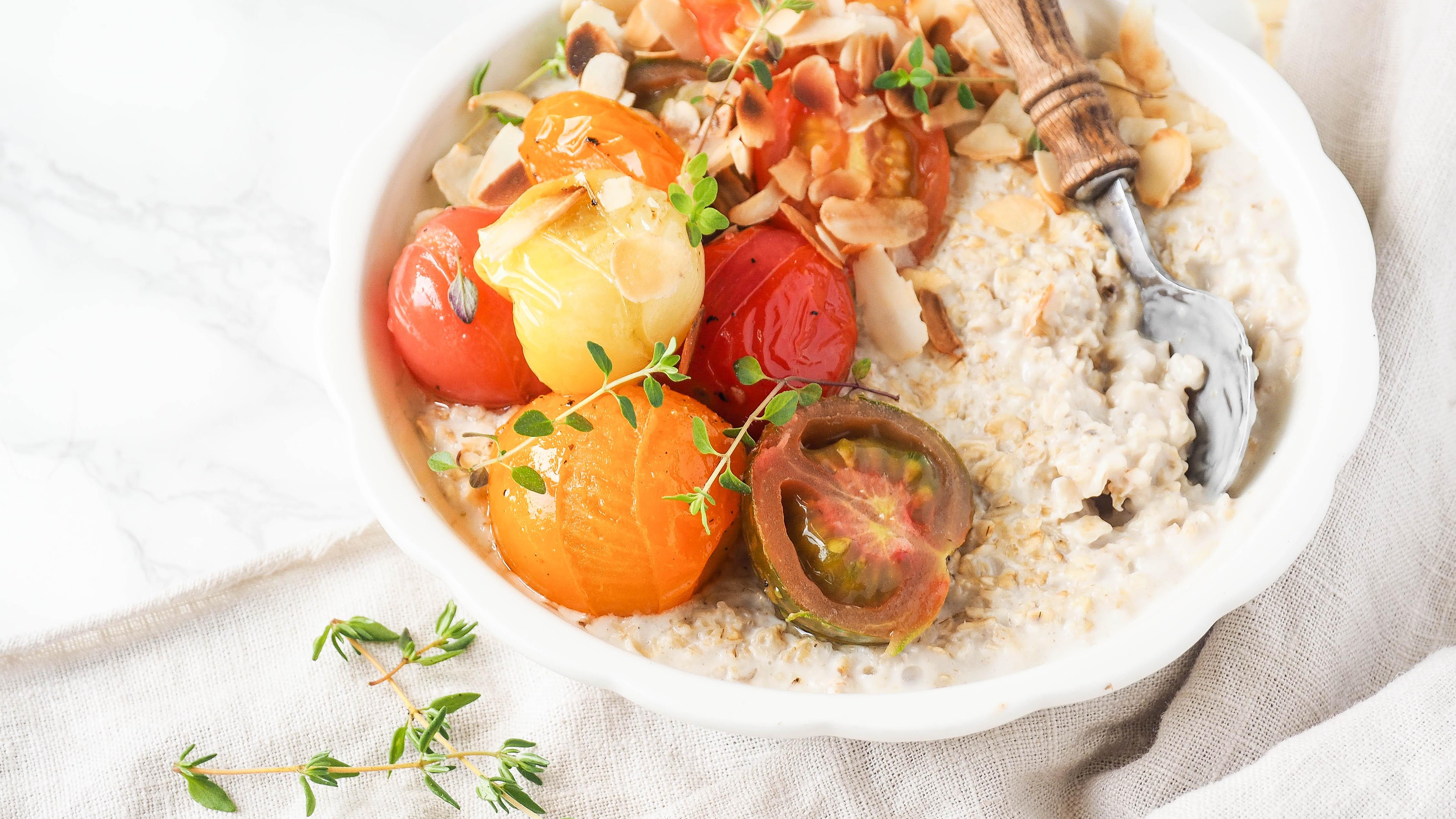 5x LKKRDR: Honing-amandel havermout met geroosterde tomaten