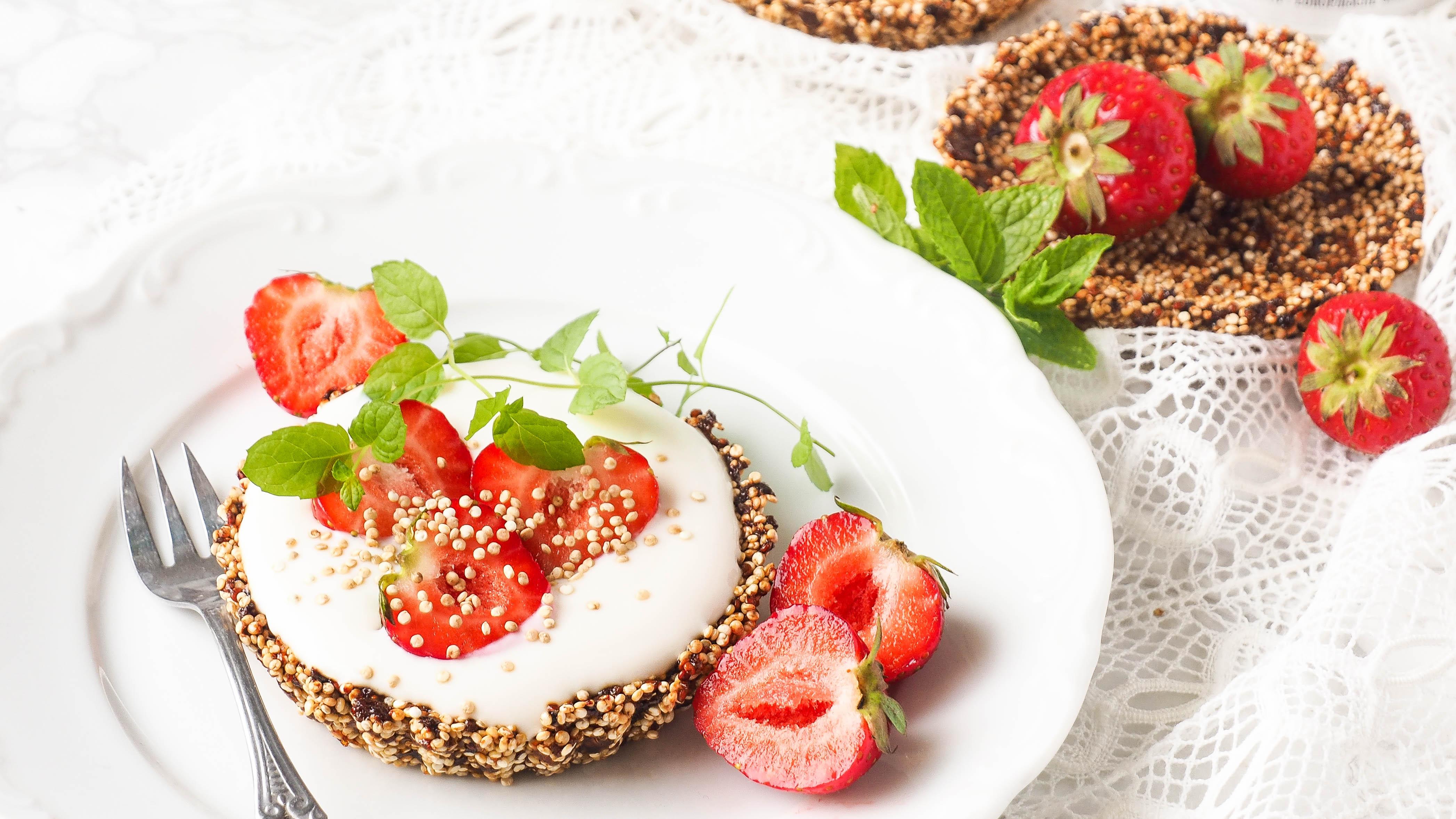 5xLKKRDR: Quinoa aardbeien taartjes