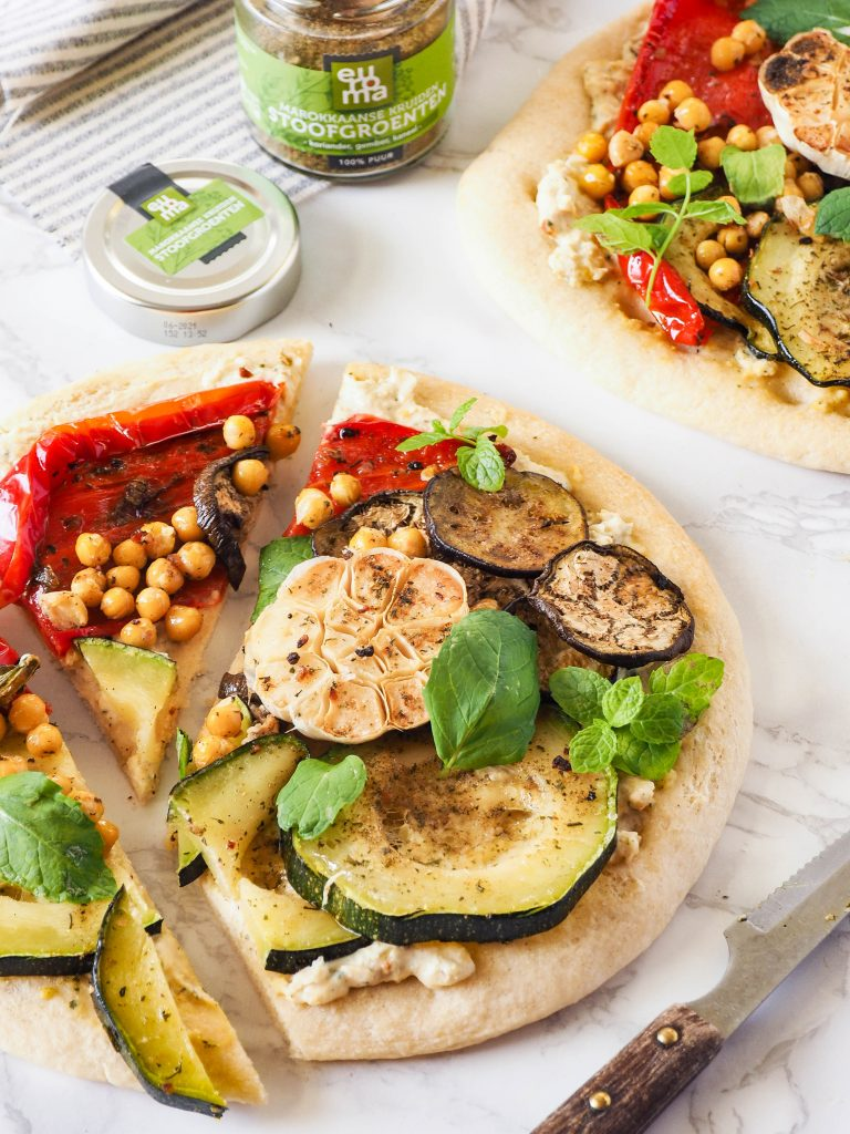 Pizza met gegrilde groente