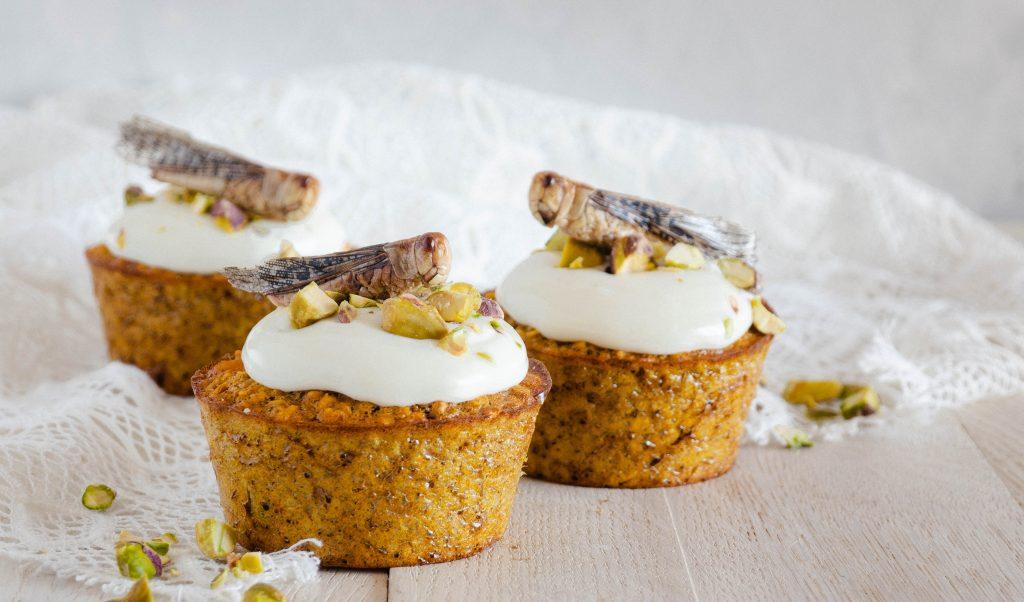 Recept – Witte chocolade pompoen muffins met sprinkhanen
