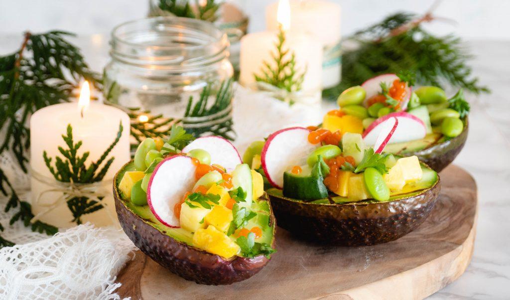 Recept: Gevulde avocado's met sriracha 'kaviaar'