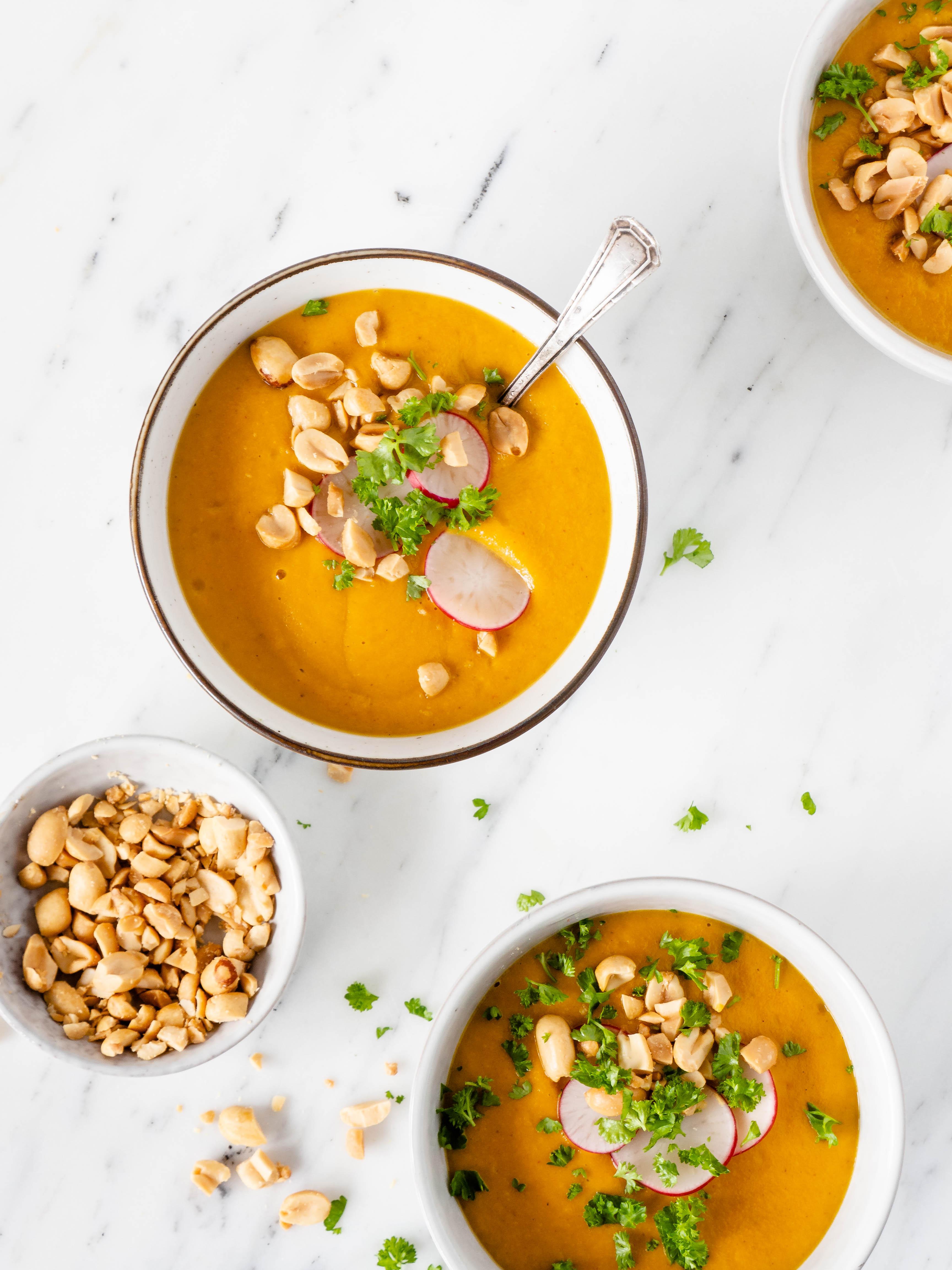 Zoete aardappel wortel soep